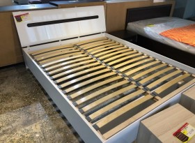 Pyramid κρεβάτι για στρώμα 160x200 Bazaar